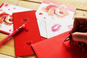 Geburtstagskarte rot mit Herzen